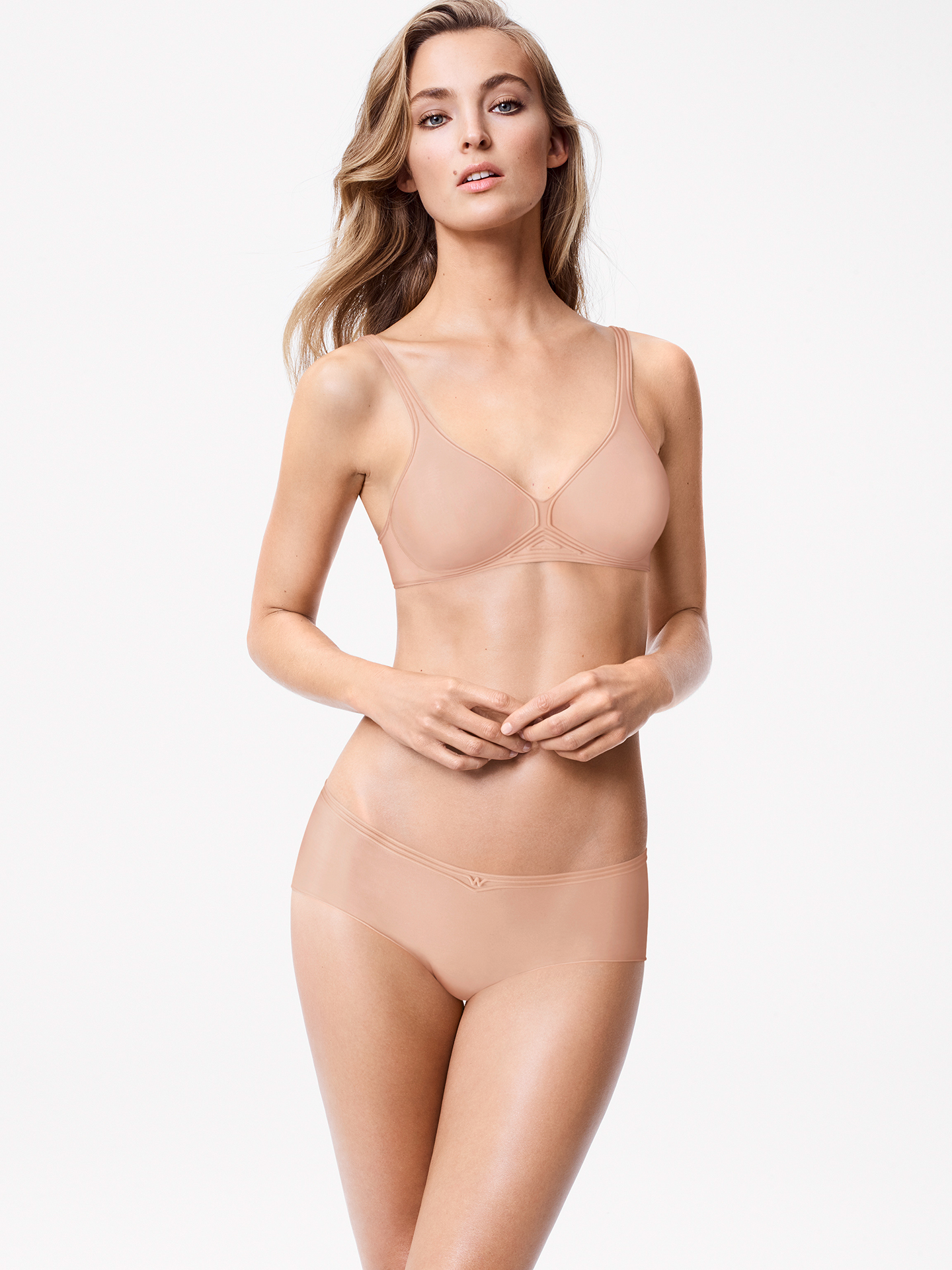 Innovative comfort: The modern, clean look makes this panty, made from pleasantly soft Cotton Contour material, really stand out. The bonded side seams and flocked silicone strips, which take on the function of stretchy elastic, ensure ultimate comfort.